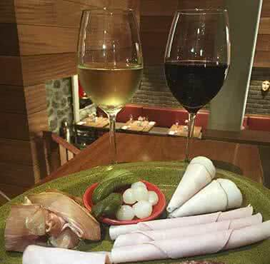 DELI PUB Restaurante - Reserva en restaurantes de Comida INTERNACIONAL - CUSCO - MESA 24/7 | CUSCO - Perú