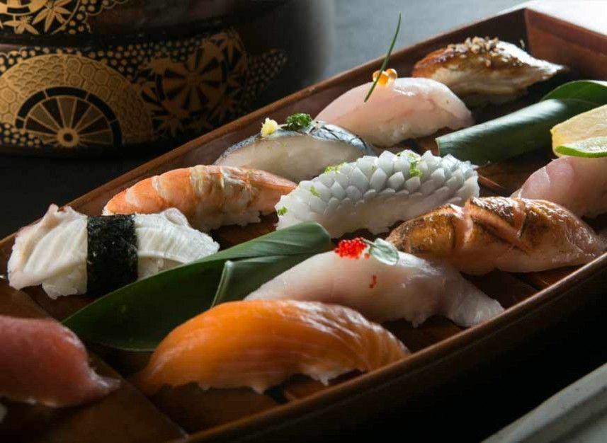 Matsuei restaurante reserva en restaurantes de comida for Mesa japonesa tradicional