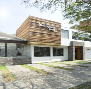 SEGUNDO MUELLE ENCALADA Restaurante - Reserva en restaurantes de Comida PESCADOS Y MARISCOS - SANTIAGO DE SURCO - MESA 24/7 | LIMA - Perú